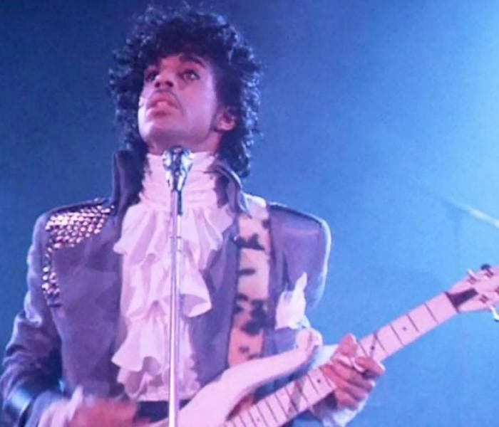 "A performance foi remasterizada e inclui vinte músicas de ""Prince"", nove delas do álbum ""Purple Rain"""