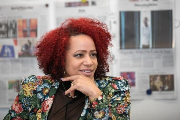 Repórter do The New York Times desde 2015, Nikole Hannah-Jones se especializou em cobrir o tema da desigualdade social causada por questões raciais nos Estados Unidos