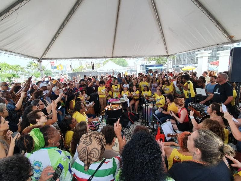 Evento encheu a praça Fernando Machado, no Centro da Capital