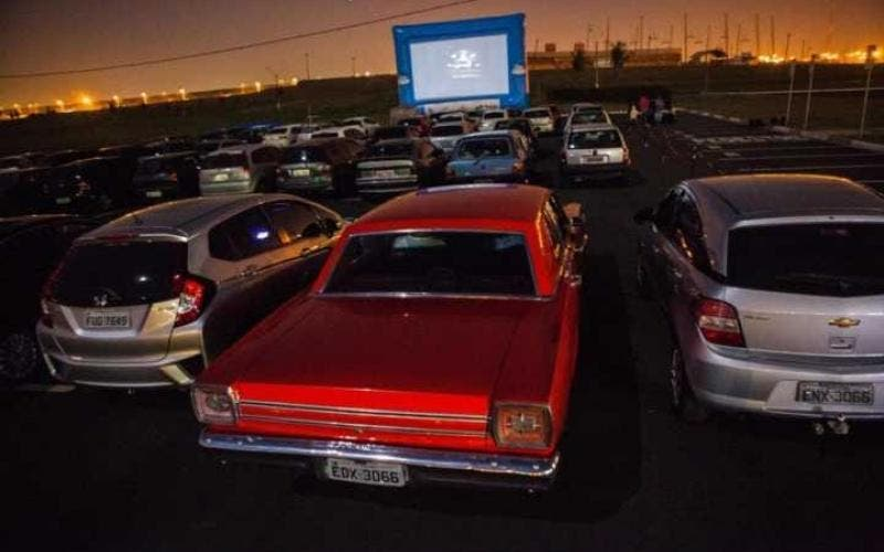 Cine drive-in