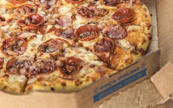Pizza de calabresa da Domino's Pizza