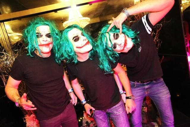 Vinicius Sperotto, Eduardo Guimaraes e Tiago Scalco no Halloween do The Roof