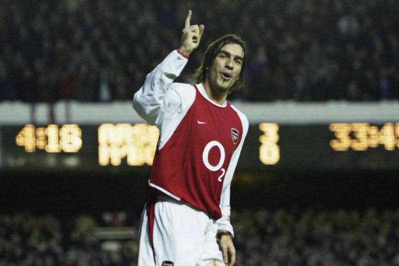 Robert Pirès jogou no Arsenal de 2000 a 2006