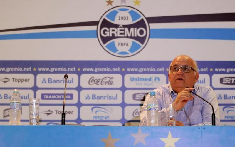Presidente do Grêmio defende volta do mata-mata