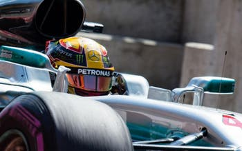 Hamilton afirma que gostaria de defender a Williams